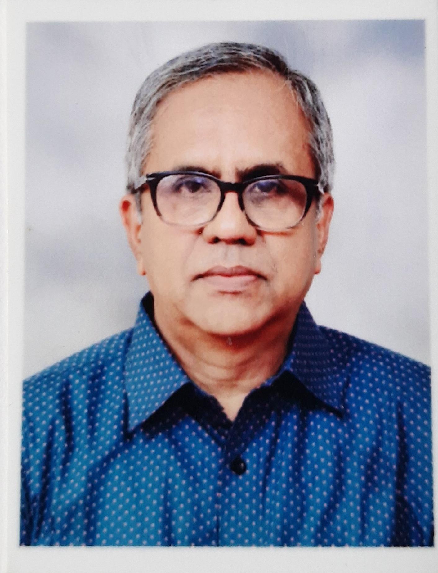 Shri Bhaskar Khandeparkar